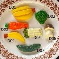 東ドイツ、ドイツ ドールハウス用古い食玩  D
